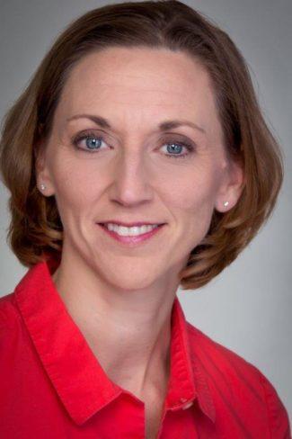 Headshot Janet Moser